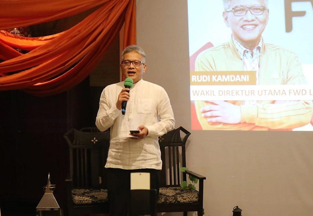 Bapak Rudi Kamdani dalam peluncuran Asuransi Bebas Tawakkal