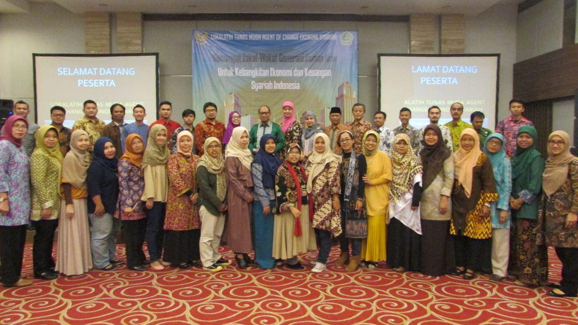 Populasi dan Pengguna Internet Indonesia