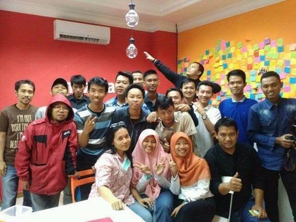 Blogger Jakarta melakukan sharing session untuk yang pertama kalinya