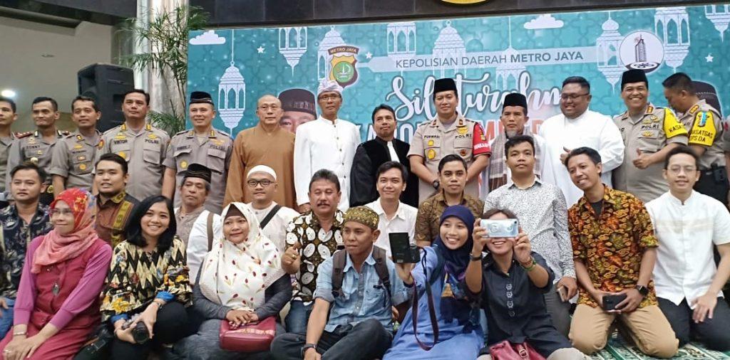 Para netizen dan Wakopolda foto bersama