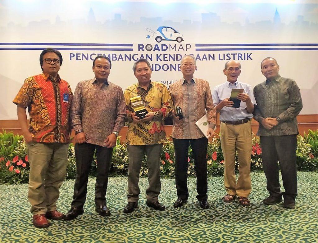 Para Narasumber Diskusi RoadMap Pengembangan Kendaraan Listrik di Indonesia
