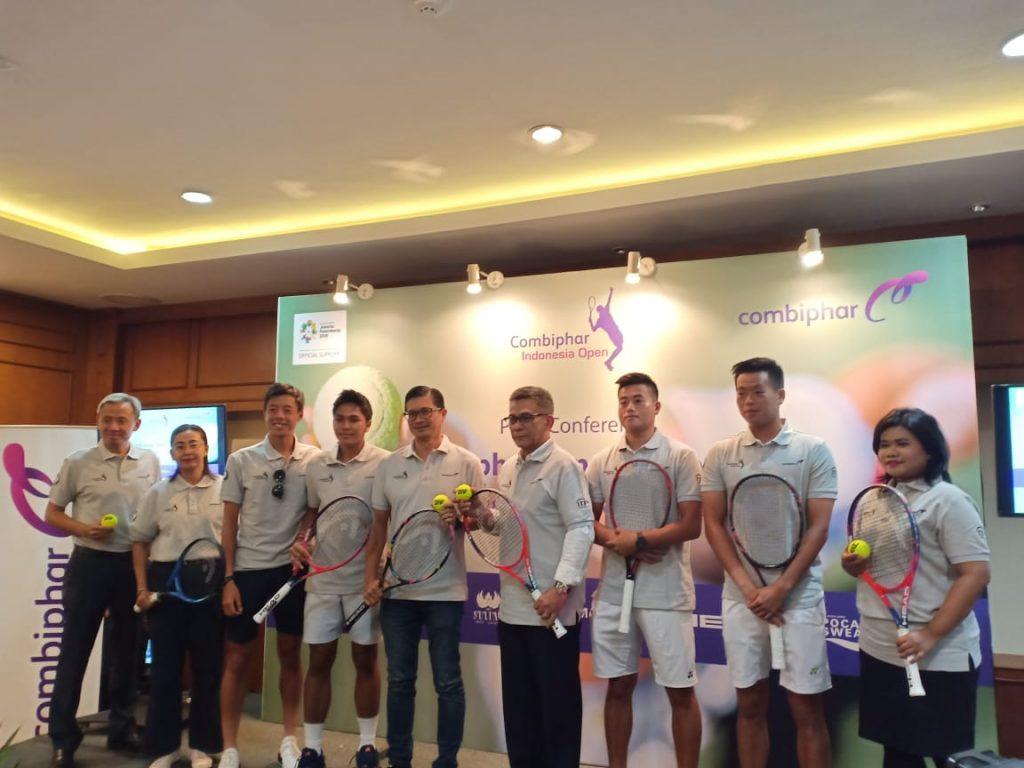 Presdir Combiphar, PP PELTI, perwakilan The Sultan Hotel & Residence Jakarta Para atlet yang siap bertanding dalam Combiphar Tennis Open 2018