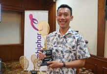 Saya saat menghadiri conference press Combiphar Tennis Open (2)