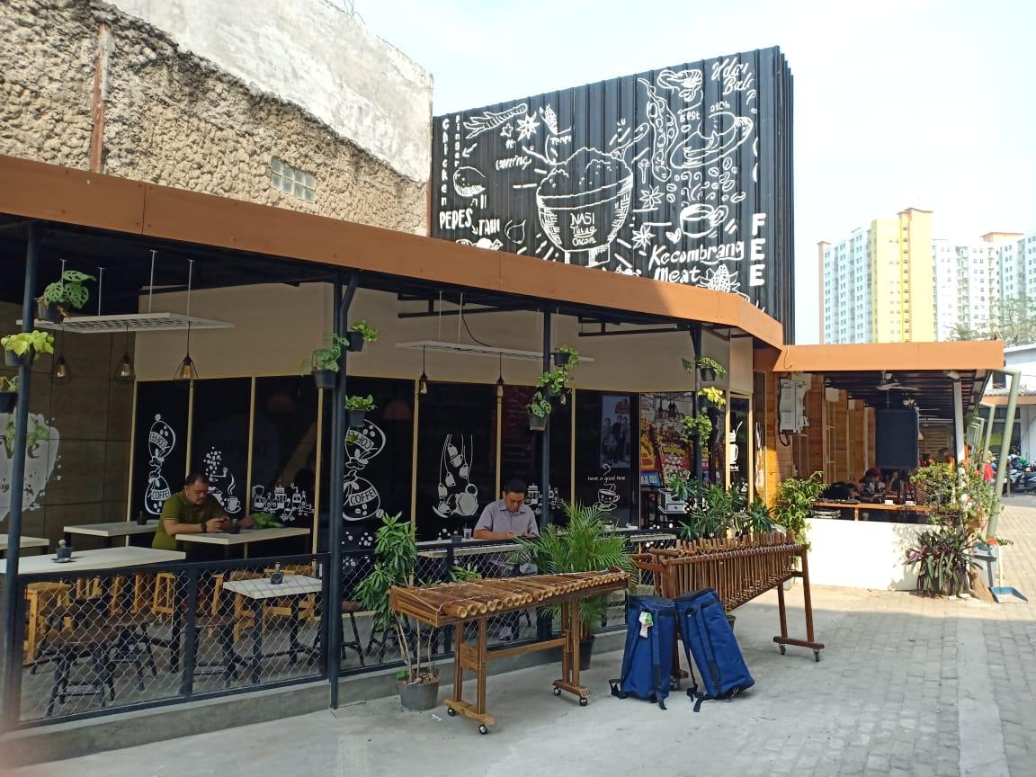 Bakoel Ussy Resto & Coffeeshop di Jakarta