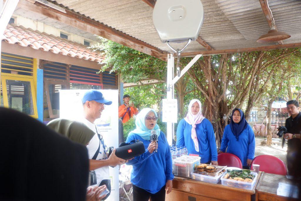 Para peserta dijelaskan tentang Bank Sampah Pulau Untung Jawa