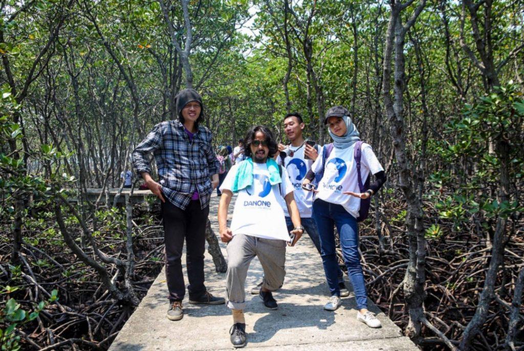 Saya dan para peserta saat di Taman Mangrove